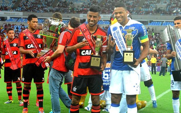 jogo Flamengo e Cruzeiro times faixas (Foto: Alexandre Vidal / Fla Imagem)