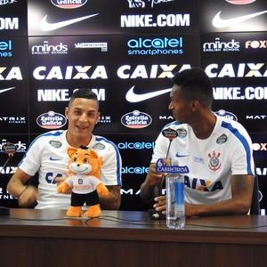 Arana e Jô Corinthians (Foto: Diego Ribeiro)
