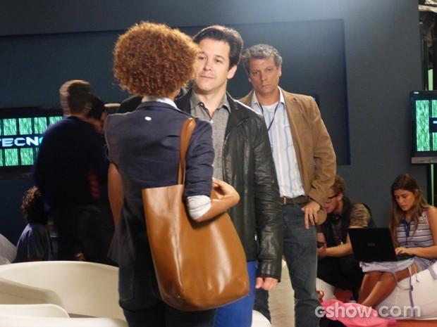 Jonas esbarra em Verônica (Foto: Geração Brasil / TV Globo)