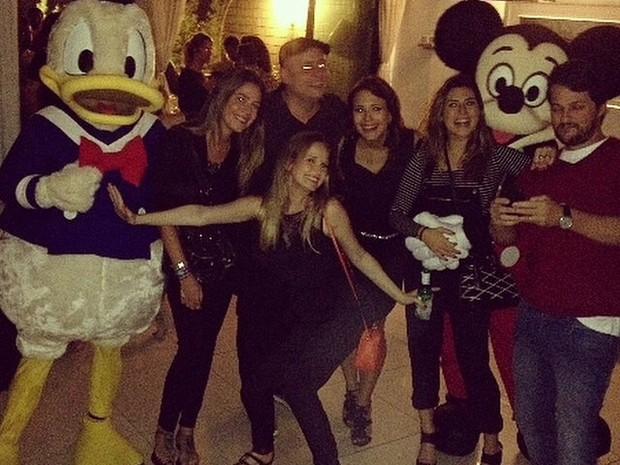 Léo Fuchs, Fernanda Rodrigues, Juliana Knust, Fernanda Paes Leme e Marcelo Serrado em festa no Rio (Foto: Instagram/ Reprodução)
