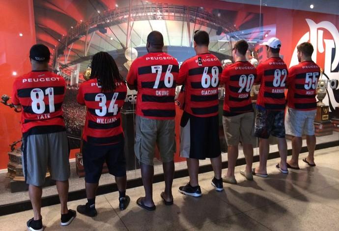 Jogadores ganharam camisas do Flamengo personalizadas (Foto   Reprodução Facebook) c8c1a05812482