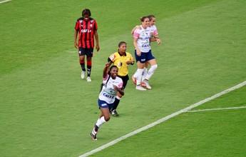São José goleia Vitória por 8 a 1 e elimina Leão do Brasileiro Feminino