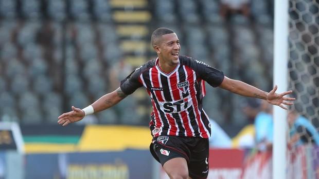 Fluminense está próximo de acerto com zagueiro Antonio Carlos, do São Paulo