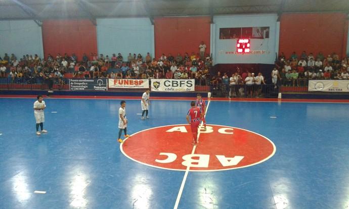 Colégio ABC e Abílio Nery, pela Taça Brasil de futsal (Foto: Atilla Eugenio/TV Morena)