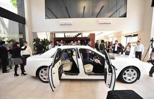 Rolls-Royce Ghost chega ao Brasil por R$ 2,3 milhões (Foto: Divulgação)