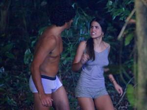 Isadora põe toda a culpa em ROnaldo (Foto: Guerra dos Sexos / TV Globo)