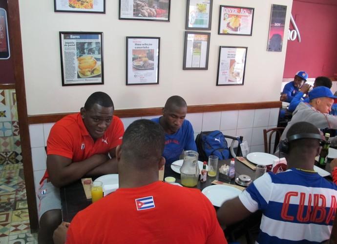 Seleção cubana luta olímpica almoço tijuca (Foto: Flávio Dilascio)