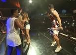 Ivete e Claudia Leitte dançam juntas no ensaio do Harmonia do Samba