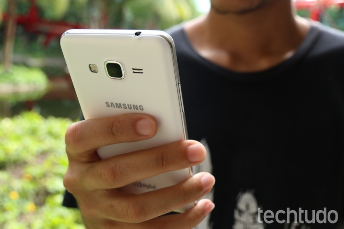 Galaxy Gran Prime Duos tem mais espaço para microSD com até 128 GB (Foto: Lucas Mendes/TechTudo)