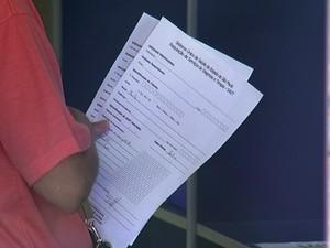 Moradores reclamam de demora em atendimento (Foto: Reprodução/TV TEM)