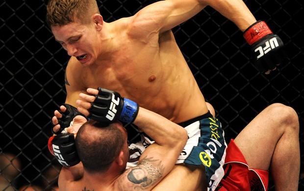 UFC 173 Chris Holdsworth e Chico Camus (Foto: Agência Reuters)