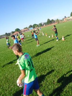 Equipe Sub-20 do Rolim de Moura treina para o Rondoniense Sub-20 2013 (Foto: Arquivo Pessoal/Ademir José da Silva)
