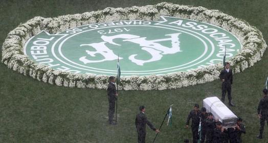 Da glória ao luto (Reuters)