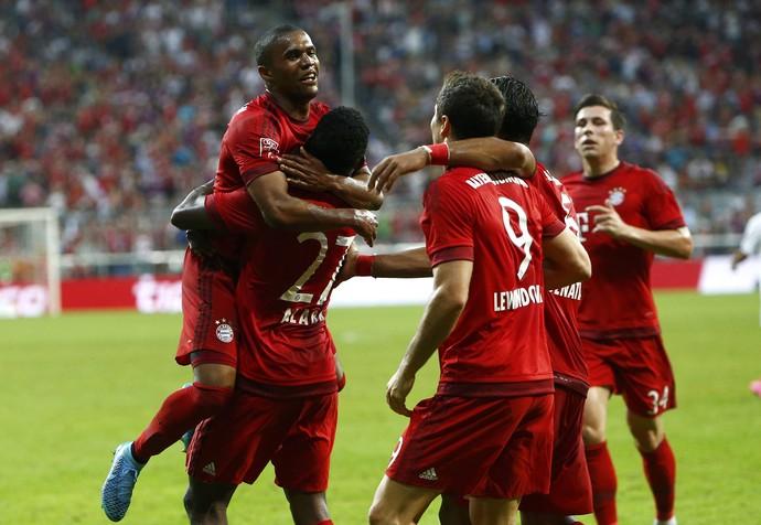 Lewandowski Douglas Costa Bayern x Real Madrid (Foto: Reuters)