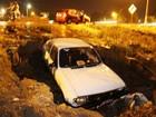 Carro cai em buraco após temporal em Conceição do Coité, na Bahia