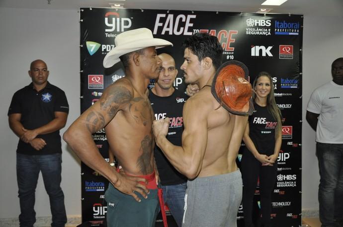 Alex Cowboy e Joilton Peregrino (Foto: Hetiene Castro/MMA4EVER)