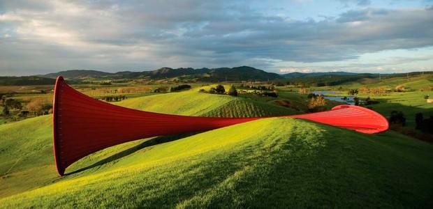 anish-kapoor-dismemberment-site-1-escultura-parque-nova-zelandia.jpg (Foto: Reprodução Gibbs Farm/Divulgação)
