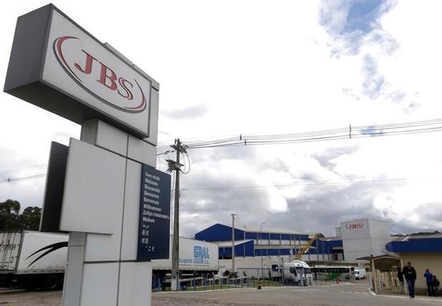 Vista externa de uma unidade processadora de carne da JBS SA na cidade da Lapa (Foto: Ueslei Marcelino/Reuters)