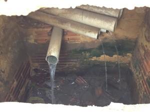 Esgoto é despejado nas galerias pluviais (Foto: Flávio Godoi/G1)