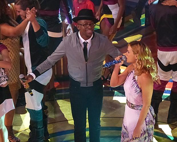 Carolina mostra todo o seu talento no vocal (Foto: Tatiana Machado/ Gshow)