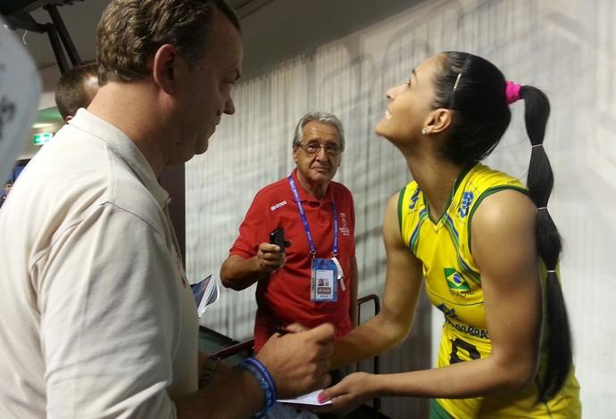 Jaqueline vôlei Brasil (Foto: Lydia Gismondi)