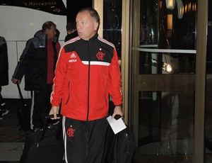 Mano Menezes desembarque Flamengo (Foto: Cahê Mota)