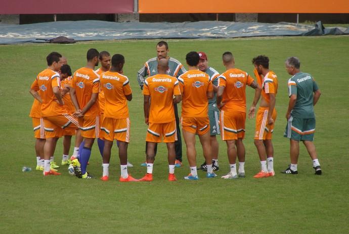 Enderson Moreira time Fluminense treino Laranjeiras (Foto: Sofia Miranda)