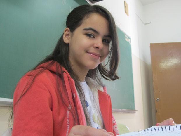 Vanessa Bezerra do Nascimento, de 12 anos, é aluna do VOA (Foto: Vanessa Fajardo/ G1)