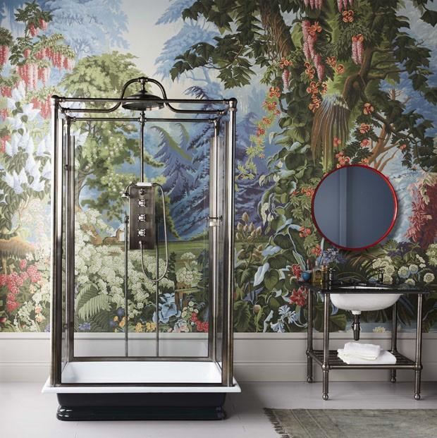 Décor do dia: chuveiro independente no banheiro retrô (Foto: reprodução)