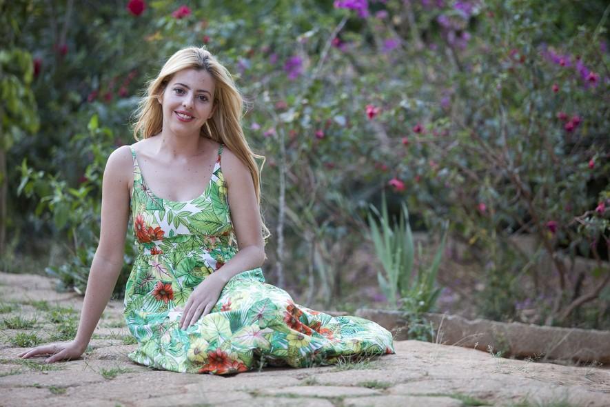A solteira Keila Fernandes, de 28 anos. Nas horas vagas ela se arrisca como cover da cantora pop americana Lady Gaga. Ela faz shows pela região e posta seus vídeos no YouTube.