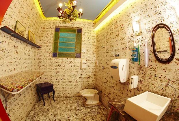 Banheiro do Casa Pizza tem decoração para cliente se sentir em casa (Foto: Divulgação)