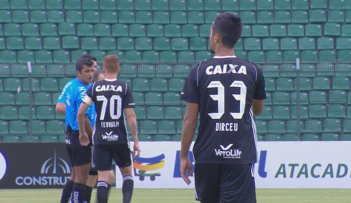 Camisa Figueirense (Foto: Reprodução/Premiere)