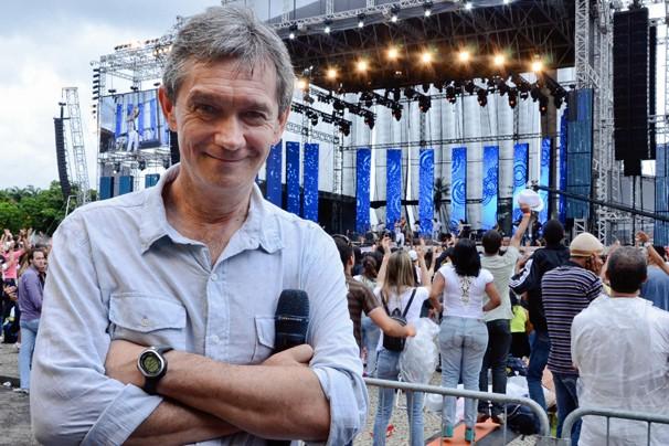 Serginho Groisman comanda o Festival Promessas neste sábado, dia 8, em São Paulo; evento vai ao ar dia 15 (Foto: Raphael Dias/Rede Globo)