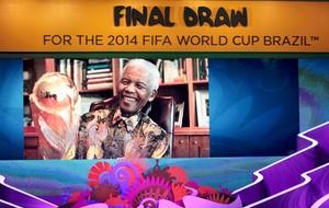 homenagem Nelson Mandela sorteio Copa do Mundo (Foto: Reuters)