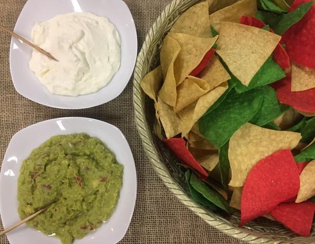 A mesa estava repleta de comida mexicana (Foto: CRESCER)