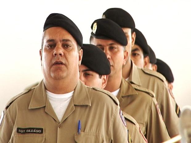 Militares durante solenidade do novo batalhão (Foto: TV Integração/Reprodução)