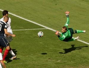 Neuer e Benzema  Alemanha x França   (Foto: AP)