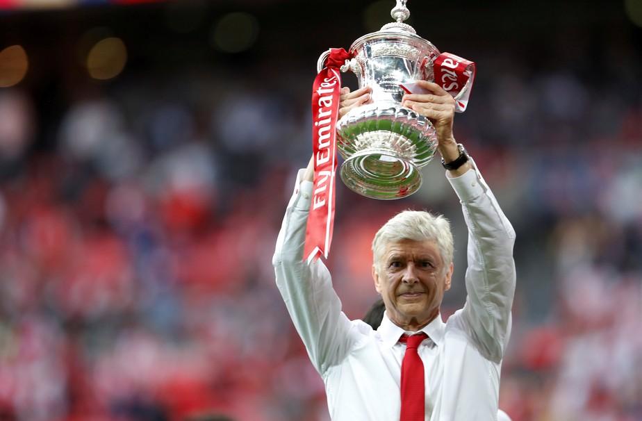Arsenal chega a acordo com Wenger e acerta renovação por dois anos