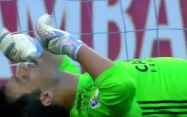 BLOG: Ex-Grêmio, goleiro Saja leva gol do meio-campo em seu jogo de despedida