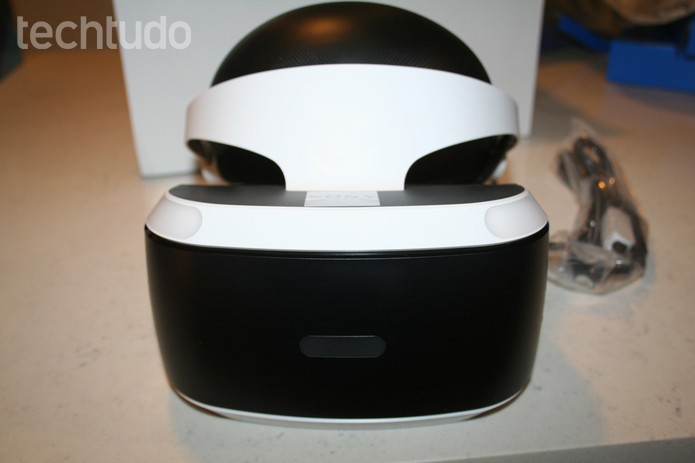 Visão frontal do PS VR- com marca (Foto: Felipe Vinha/Techtudo)