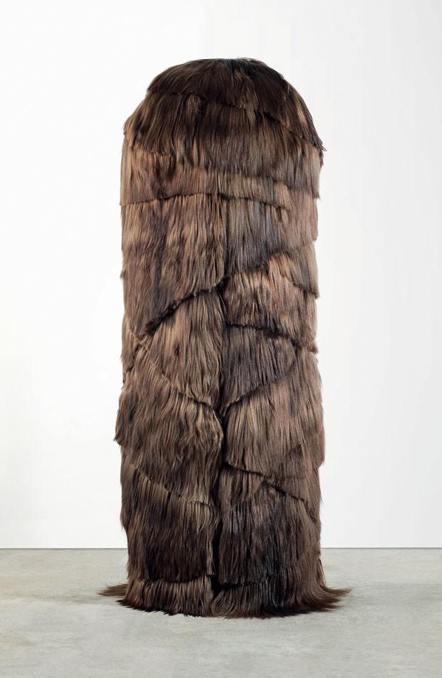 Armário Gotimulo, de oliveira e pele de cabra kidassia, da Mongólia (Foto: © Galleria O)