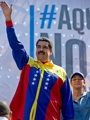 Presidente venezuelano, Nicolás Maduro, em encontro contra os Estados Unidos em Caracas, na quinta-feira (17) (Foto: Fernando Llano/AP)