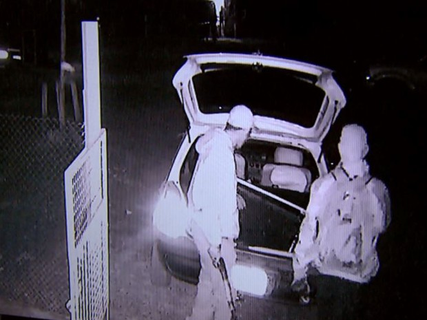 Assaltantes levaram carro e eletrodomésticos de fazenda em Ribeirão Preto, SP (Foto: Reprodução/EPTV)