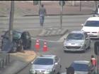 Acidente entre carro e ônibus mata uma pessoa e deixa cinco feridas