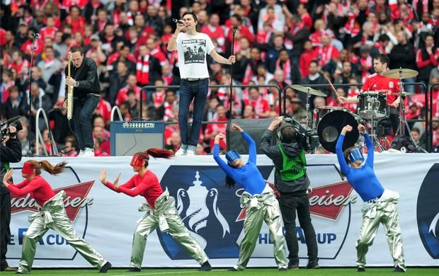 Show no gramado de Wembley precedeu a final da Copa da Inglaerra entre Chelsea e Liverpool (Foto: Getty Images)