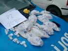 Polícia apreende adolescente e tubos de cocaína em Petrópolis, no RJ