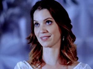 Laura não fica intimidada com Sueli (Foto: TV Globo)