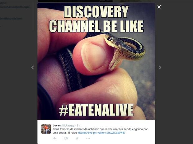 Espectadores do programa 'Eaten alive' fazem piada no Twitter e mostram 'pequenas mordidas', ironizando apresentador que desistiu de ser 'engolido' (Foto: Reprodução / Discovery Channel)