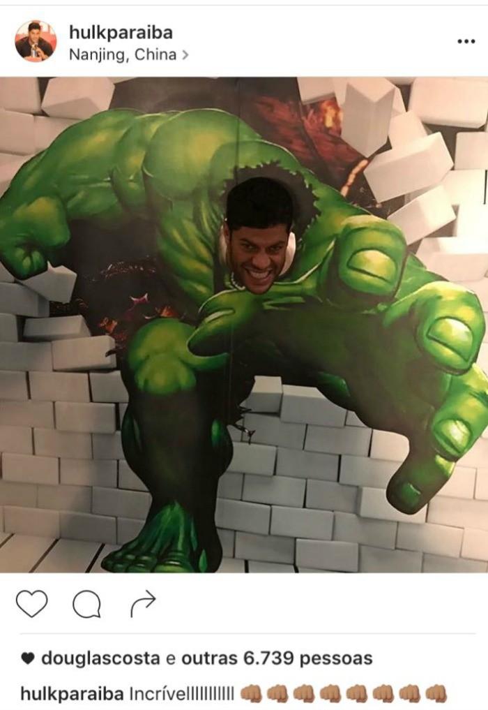 "BLOG: O incrível Hulk: atacante brinca e ""se transforma"" no gigante verde"