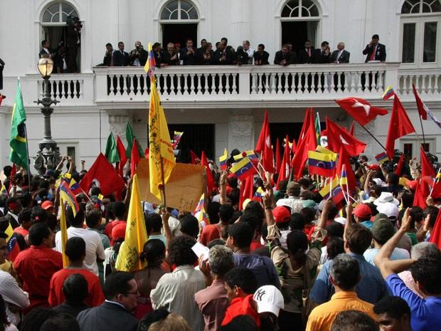 Chávez defendeu integração da América Latina para centenas de pessoas em São Luís (Foto: Biaman Prado/O Estado)